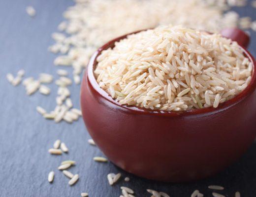 Comparaison entre le riz blanc et complet, alimentation